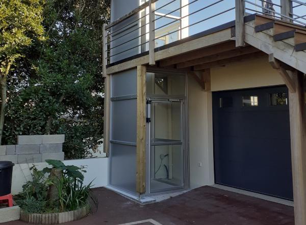 Ascenseur de maison installé en structure par Sachot
