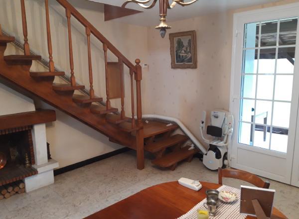 Monte escalier tournant installé par Sachot